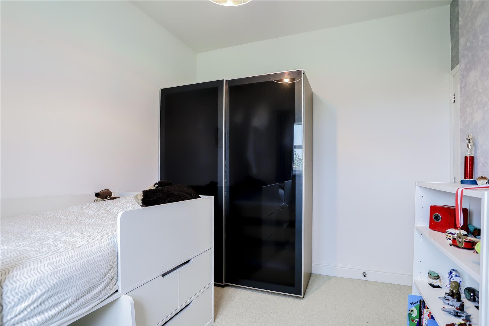 4 Bedroom Detached House For Sale - 28.jpg